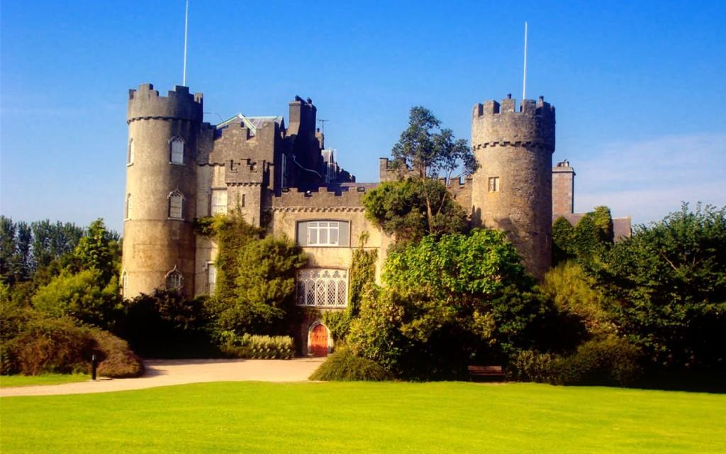 ireland-dublin-clontarf-castle-1440x900