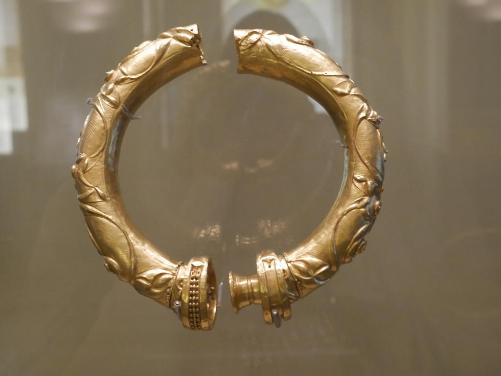 Gold bracelet in Dublin Archeology Musuem