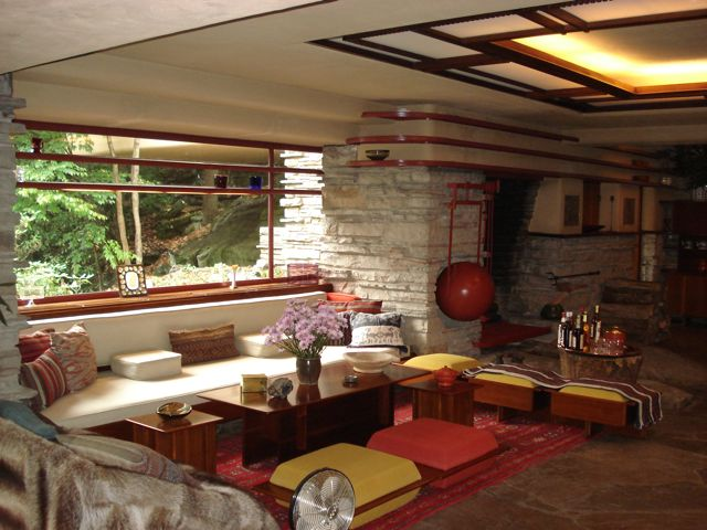 Fallingwater-sitting-area